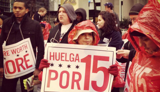 Chicago retail and fast food workers rally for $15