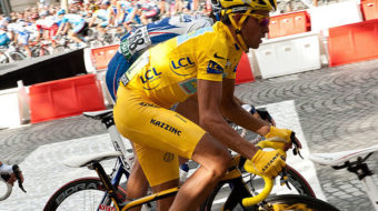 """Bicyclist Contador crowned """"King of Tour"""""""
