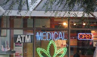 U.S. halts prosecutions for use of medical marijuana