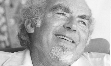 Basil Davidson, path-breaking historian of Africa, dies at 95