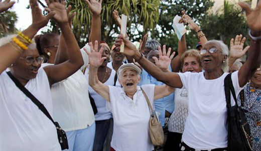 Cuban unionists tell U.S. colleagues embargo is chokehold on their nation