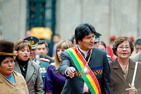 Bolivians vote to keep Morales