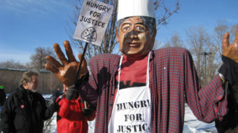Restaurant workers take fight to the courts