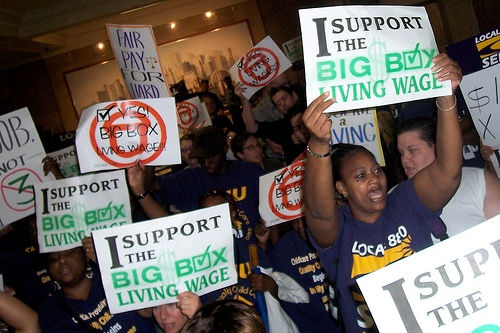 Wal-Mart makes deal with unions on Chicago stores
