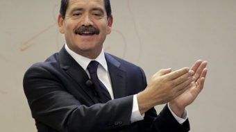 Chicago's Garcia takes on banker–backed mayor