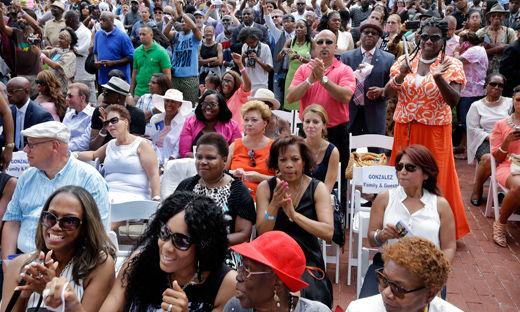 """We are the mayor:"" Newark inaugurates new mayor"