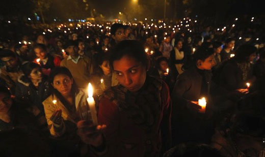 Thousands take to streets to mourn Delhi gang-rape victim
