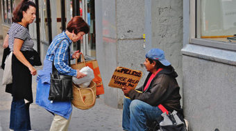 For-profit firms jam up food stamp delivery