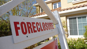 Obama administration pressures banks on housing crisis