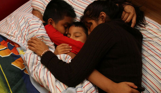 Obama creates immigration hotline to let detainees know their rights