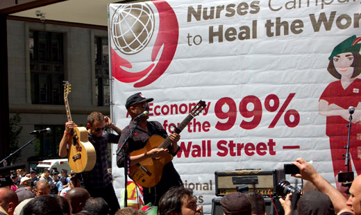 Tom Morello, Nurses Union gather in Chicago