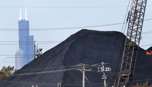 Oil refinery waste piling up in Chicago
