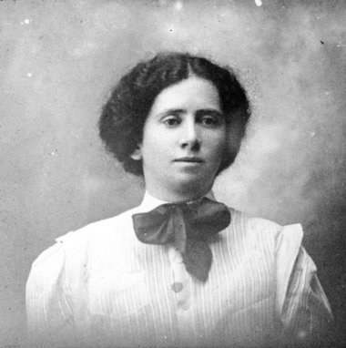Today in history: Feminist labor organizer Rose Schneiderman is born