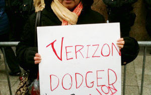 Workers want tax-dodger Verizon to settle contract dispute