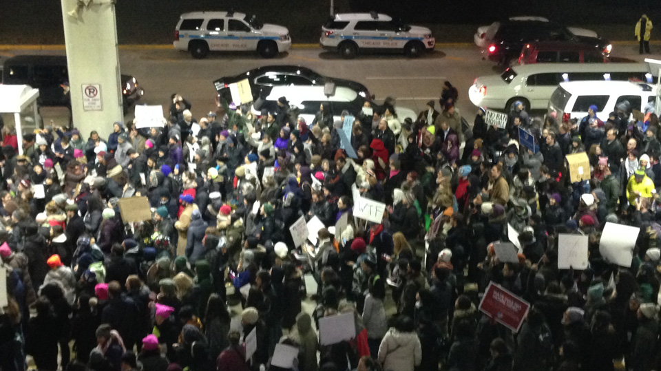 Americans protest Trump's Muslim ban at nation's airports