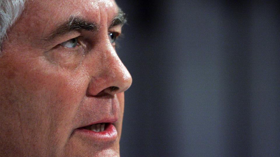 Senate goes easy on Trump's Exxon pick for Secretary of State