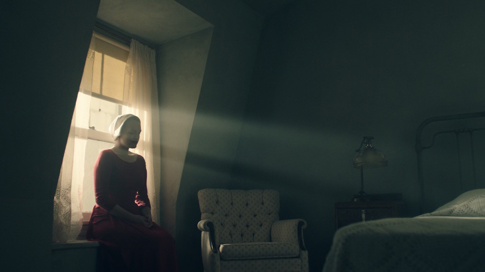 "Margaret Atwood's ""Handmaid's Tale"" – the book behind the new TV series"