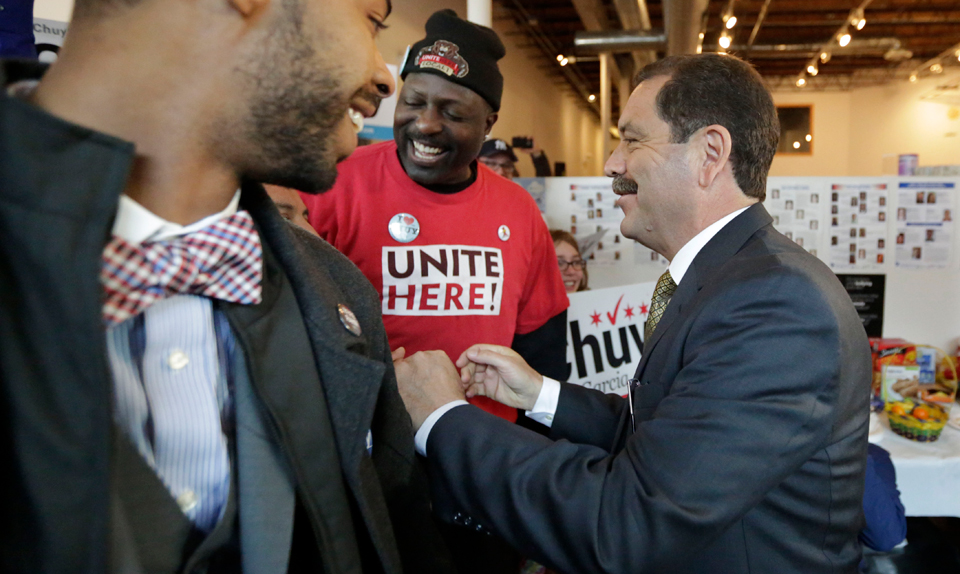 Signs of a Democratic 'wave' year in Illinois primary