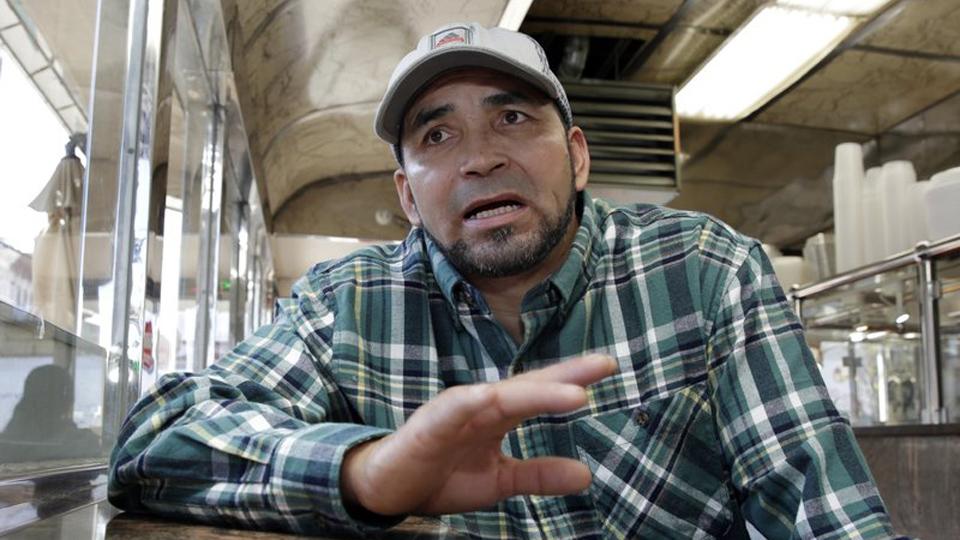 NY: hispanos demandan a empresa de trenes por discriminación