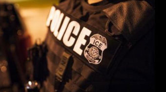 Judge orders government to turn around deportation plane