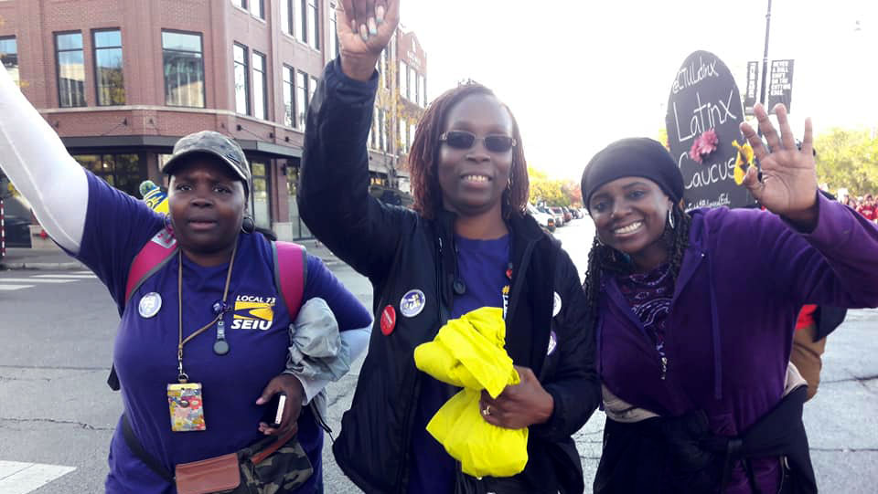 Striking Chicago school bus aides fight poverty wages