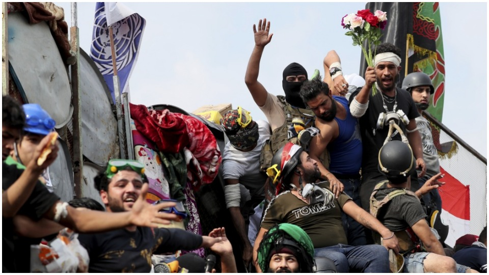 """Iraqi Communists condemn repression, say """"moment of real change"""" has arrived"""