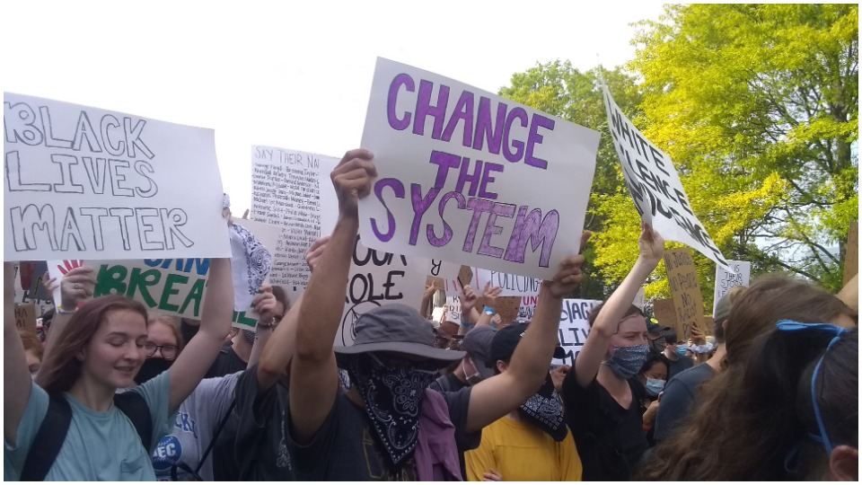 Teen students lead Nashville's largest ever protest against racist police violence