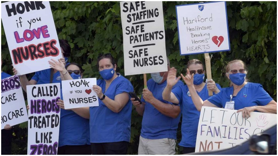 Nurses united in the fight for a new contract at Connecticut's Backus Hospital