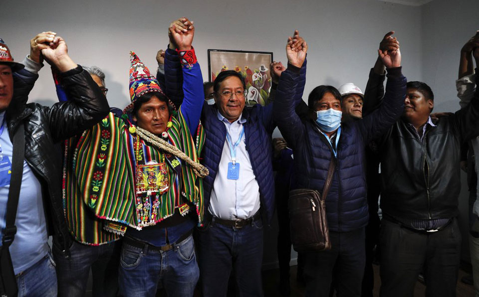 socialists-win-big-in-bolivia-morales-expected-to-return-from-exile-2