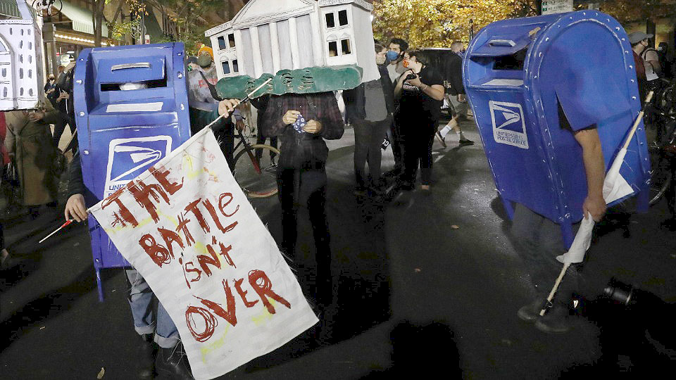 Postal union leaders: Pandemic-driven mail decline emphasizes need for USPS aid