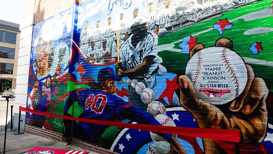Baseball rewrites history, says Negro Leagues now a major league