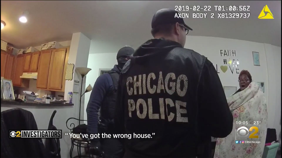 Video shows Chicago cops terrorizing Black social worker in her home