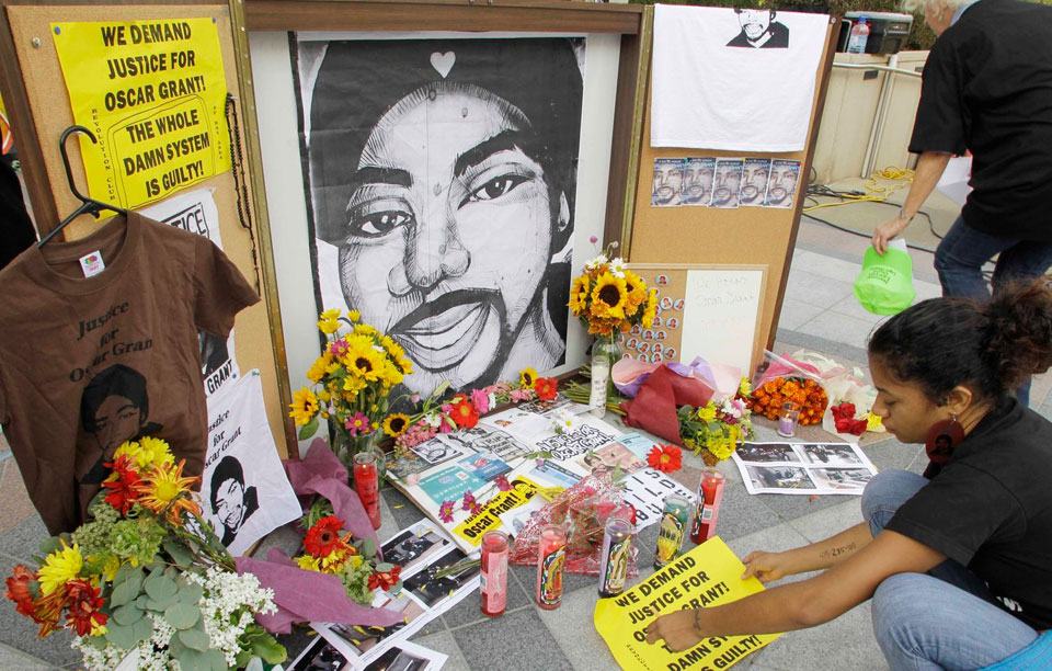 Pressure grows to charge 2nd officer in shooting of Oscar Grant
