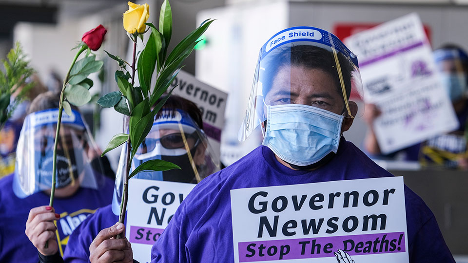 Calif. essential workers and supporters call for extended COVID-related sick leave