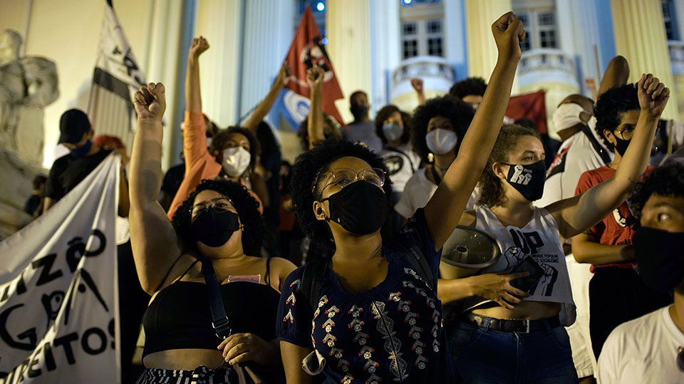 Women take the lead in fight to impeach Bolsonaro in Brazil