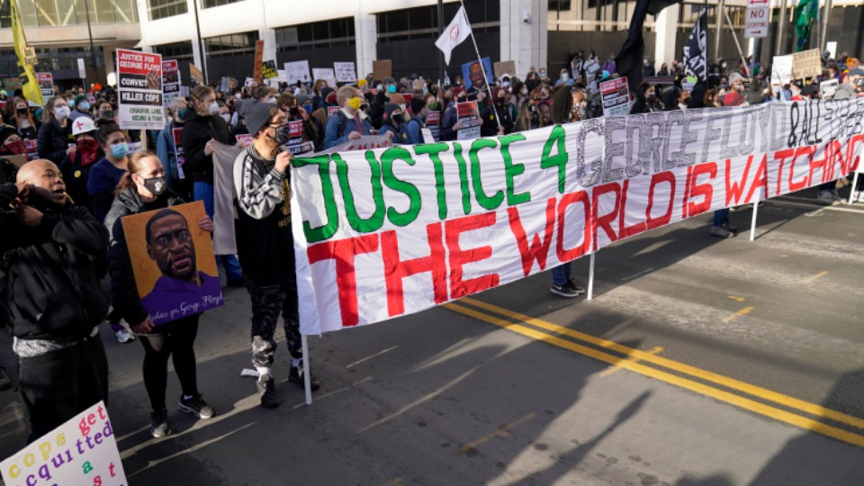 Protests build as jury selection begins in Chauvin trial