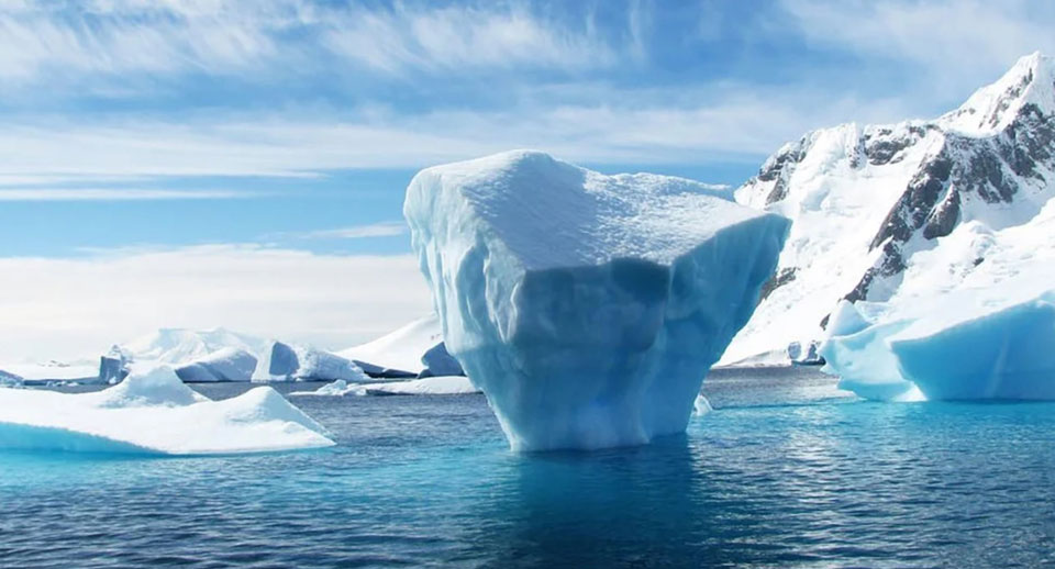 Scientists: 4°C would unleash 'unimaginable amounts of water' as ice shelves collapse