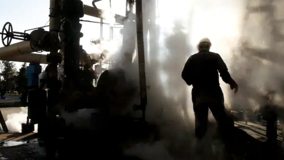 Oil workers' strike spreads across Iran; unions appeal for international solidarity