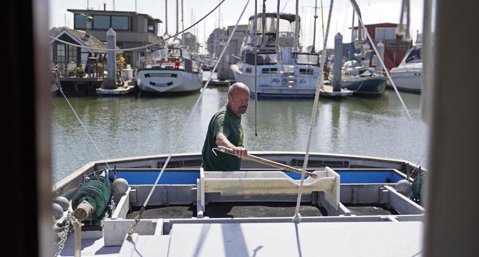 Warming rivers in U.S. West killing fish, imperiling industry