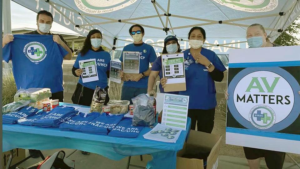 California: 18 mil trabajadores sindicalizados en cuidado de salud votan por autorizar huelga